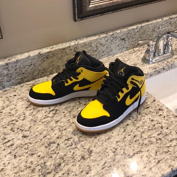 Black And Yellow Jordan Ones | Poshmark